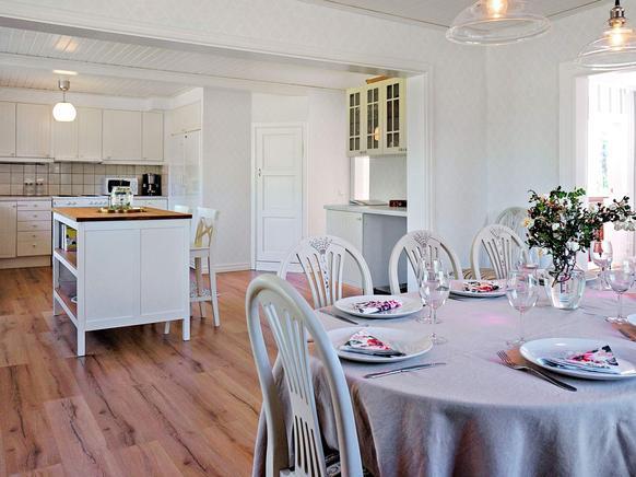 Ferienhaus schweden am see für 10 personen in hova küche