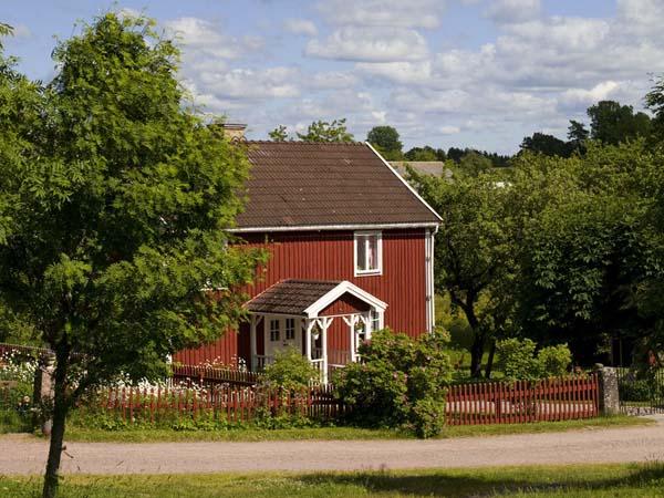 ein ferienhaus in s dschweden mieten ferienhaus schweden. Black Bedroom Furniture Sets. Home Design Ideas