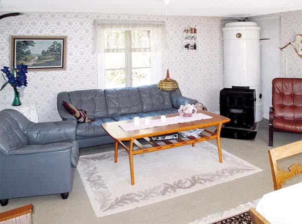 uriges wohnzimmer: Hund in Schweden Ferienhaus für 4 Personen in Hallabro – Wohnzimmer